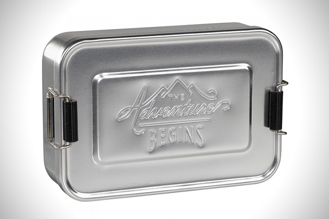 5e72cdd9fc3c The 12 Best Adult Lunch Boxes For Men | HiConsumption